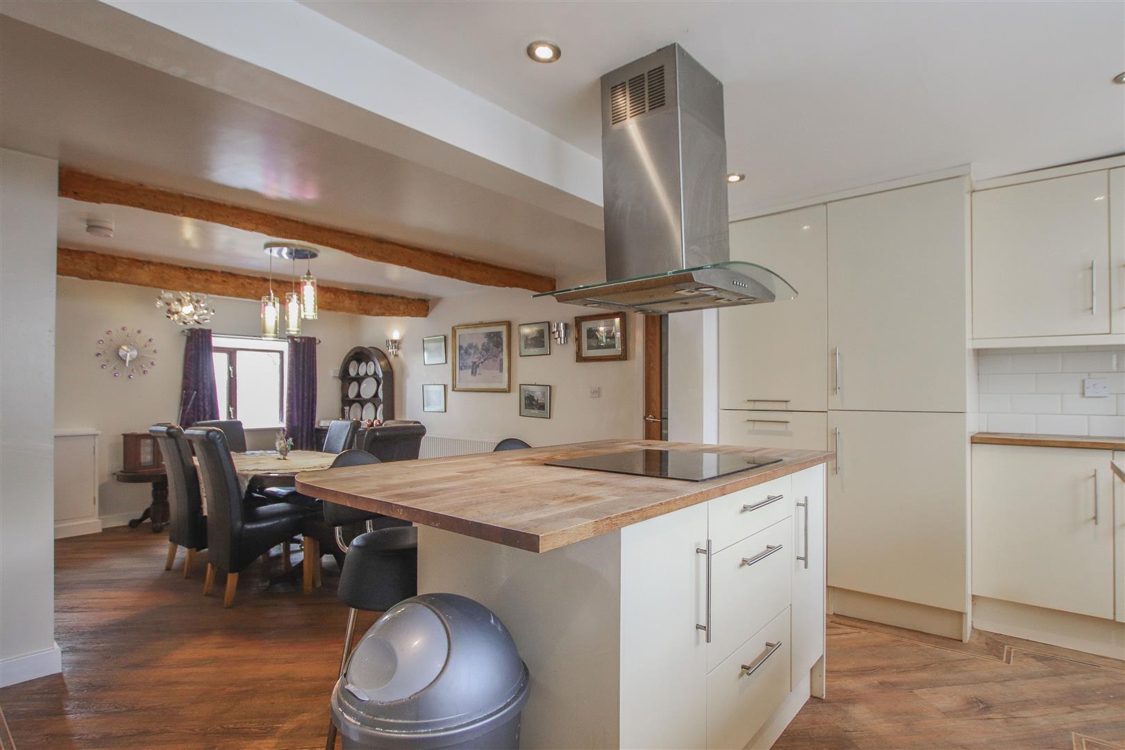 4 Bedroom Farmhouse For Sale - 19.JPG